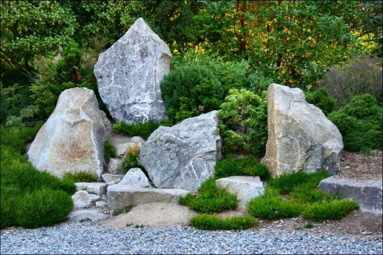 sziklák a kertben