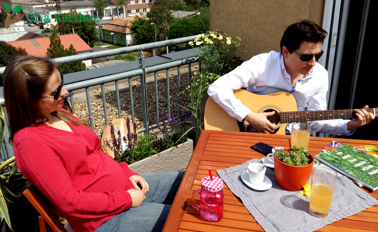Így alakítsd ki otthonosan balkonodat – 4 fontos dolog, amire figyelned kell