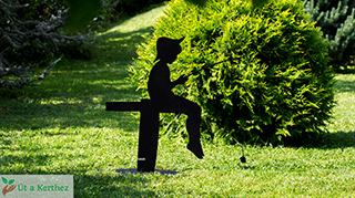 egyedi design kerti szobor